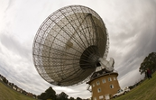 The CSIRO Parkes radio telescope in operation [ID:3848]