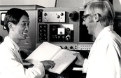 Prof Tao and Bob Blagrove discussing results of experiments ... [ID:11339]