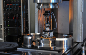 The autonomous triaxial cell for rock sample testing