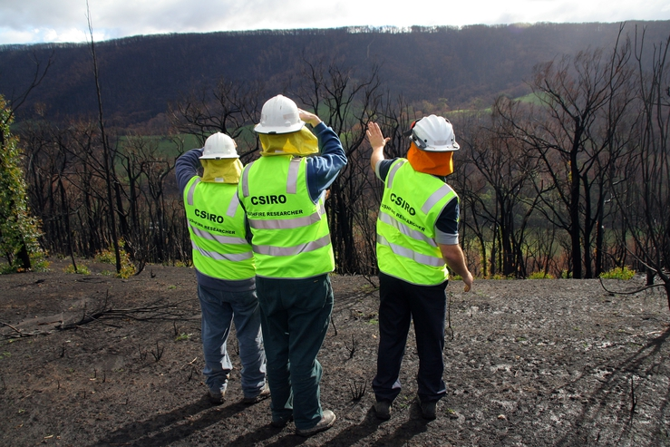 CSIRO researchers conducting bushfire research at Strathewen...