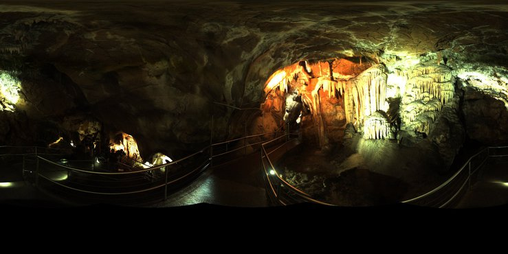 A panoramic image inside the Jenolan Caves