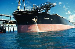 Discharging ballast water