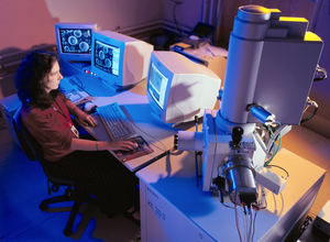 Dr Sherry Mayo operating the XuM ultra-high resolution X-ray microscope