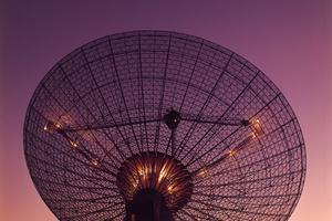 CSIRO's Parkes Radio Telescope with moon in the background